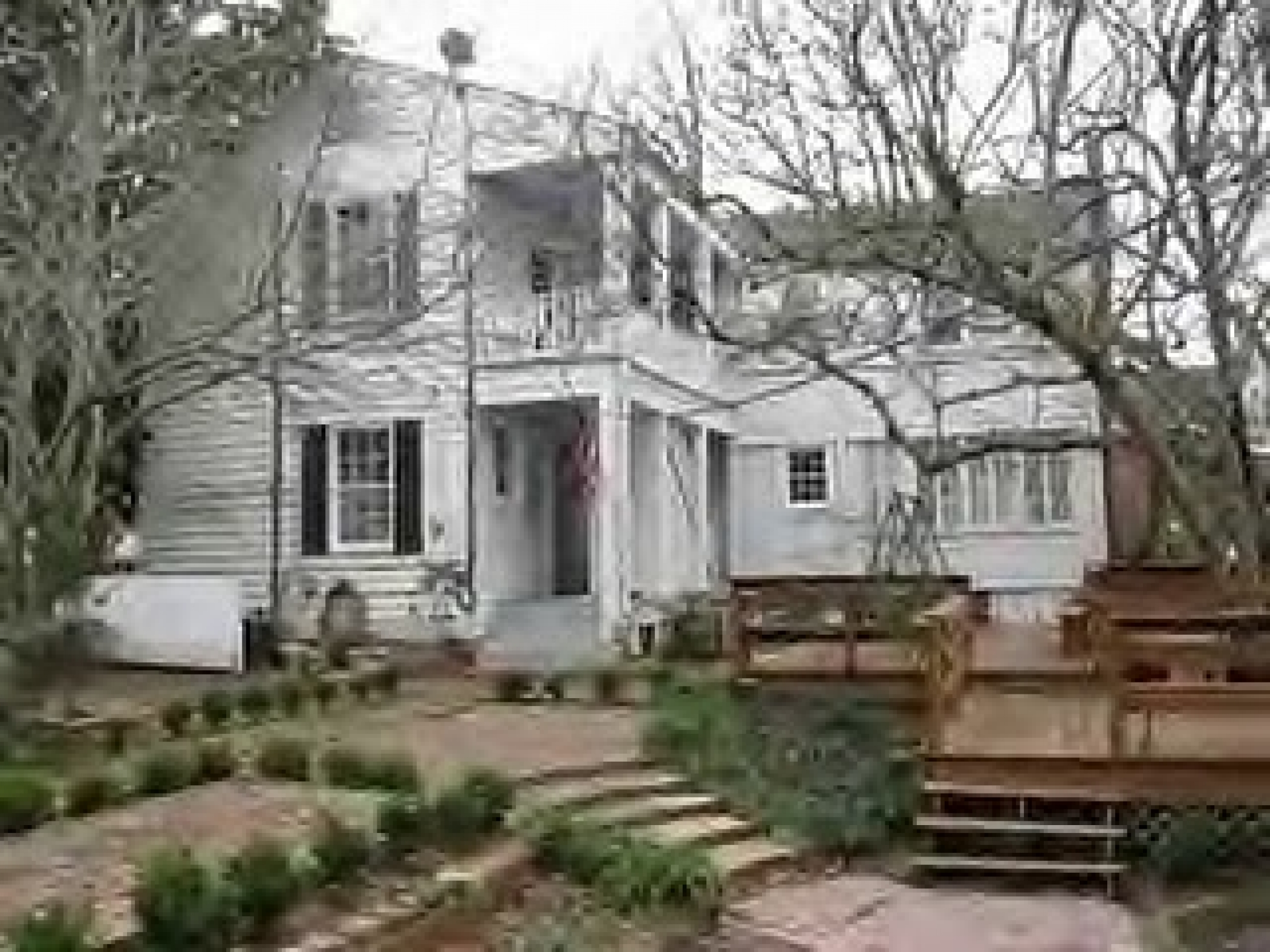Haunting of the mcnutt house haunted places in vicksburg for Home builders mississippi